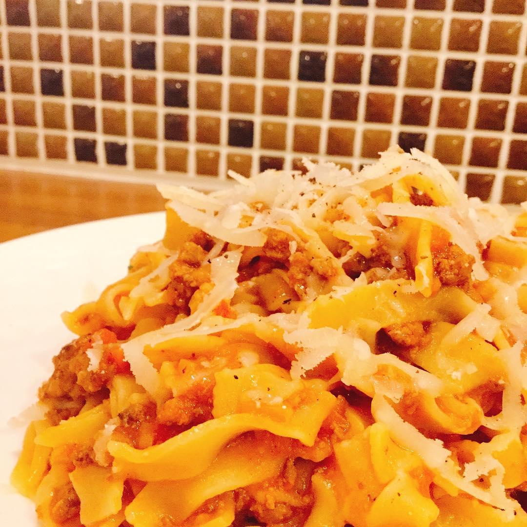 Tagliatelle alla bolognese 自家製手打ちパスタ タリアテッレのボロネーゼです