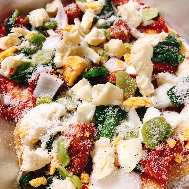 春野菜とミートボールのラザニア 旬の春野菜、もち豚のミートボール、ゆで卵、モッツァレラ 、グラナパダーノ!と具沢山のラザニアです 野菜をしっかりとって美味しく健康に ボローニャ風のラザニアも人気です️ 本日も宜しくお願い致します🏻