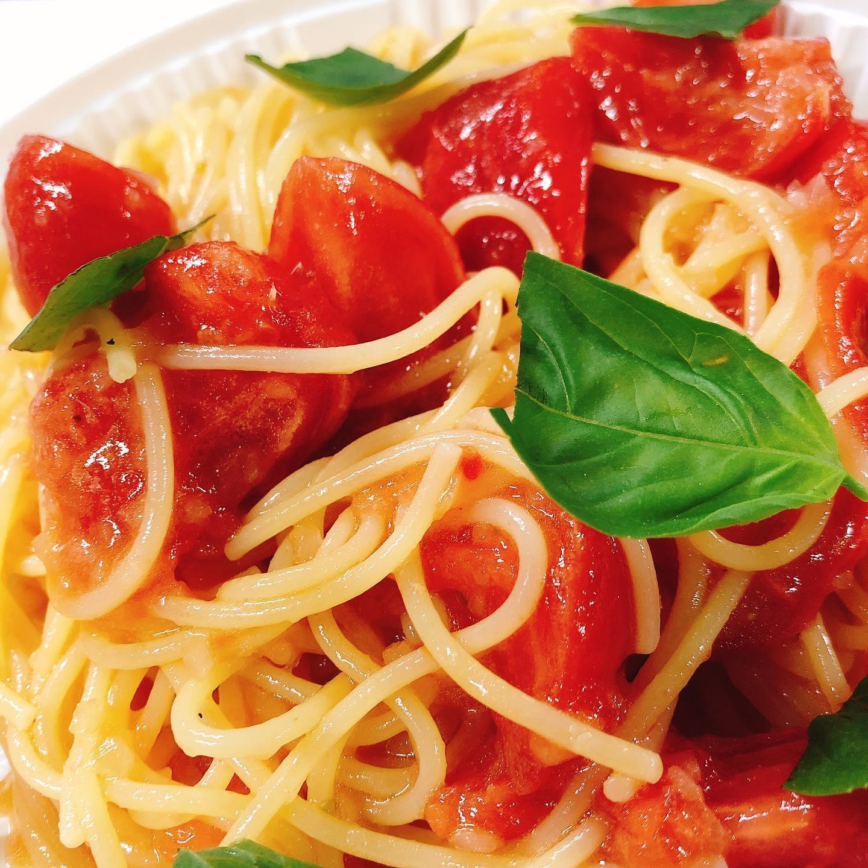 暑くなってきたので冷製パスタいかがでしょうか? 太田産フルーツトマトのブリックスナインをたっぷり使ってます。 ランチタイムでもご注文できます ブッラータチーズ乗っけても旨いです 今週もまだテイクアウトのみです。もう少し自粛頑張ります🏻 #肉の盛り合わせ  #群馬  #イタリア料理