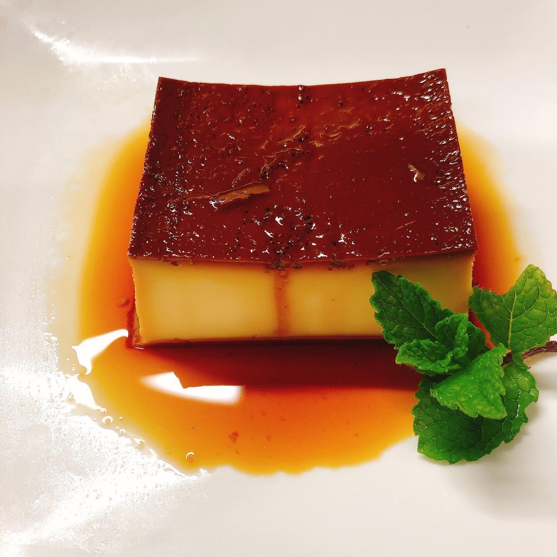 本日都合によりお休みさせて頂きます🏻 イタリアンプリン復活しました 濃厚で懐かしい味わいのプリンです。  ランチでも🏻♂️ 宜しくお願い致します #肉の盛り合わせ  #群馬  #イタリア料理