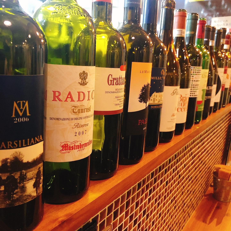 静かな平日です 美味しいワインたちが待ってまーす  #宅飯   #肉の盛り合わせ  #手打ちパスタ  #イタリア料理  パラヴィーノワインアカウント @paravino.vino